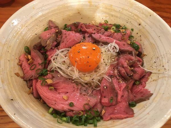 「【限定】牛のまぜそば(肉多すぎ)大盛り」@純手打ち 麺と未来の写真