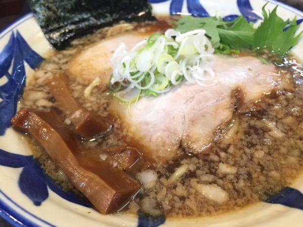 「醤油らーめん」@ラーメンつけ麺 奔放の写真