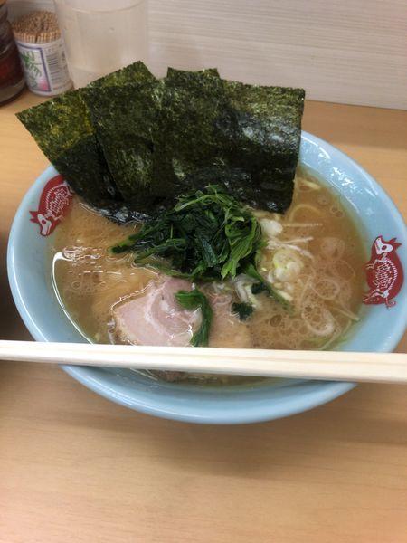 「ラーメン 並」@横浜ラーメン 町田家 新宿南口店の写真