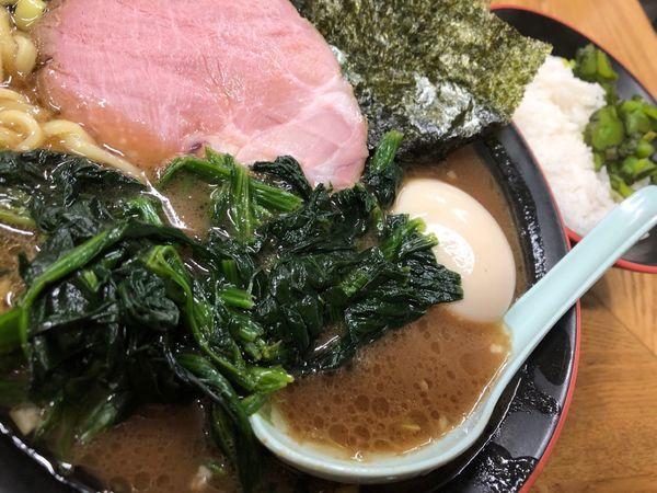 「のりほうれん草ラーメン」@麺家 紫極の写真