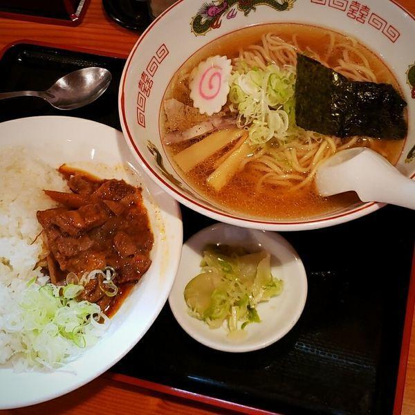 「牛もつ煮こみライスと特中華そばのセット 1030円」@煮込み食堂 まるしばの写真