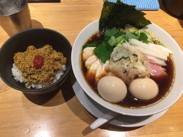 「特製鶏SOBA大盛味玉+チキンカレー」@Ginza Noodles むぎとオリーブの写真