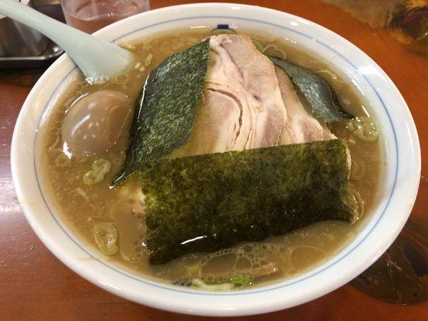 「チャーシューメン + 味付け玉子」@ホープ軒本舗の写真