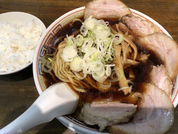 「肉中華そば+半ライスサービス」@丸中華そばの写真