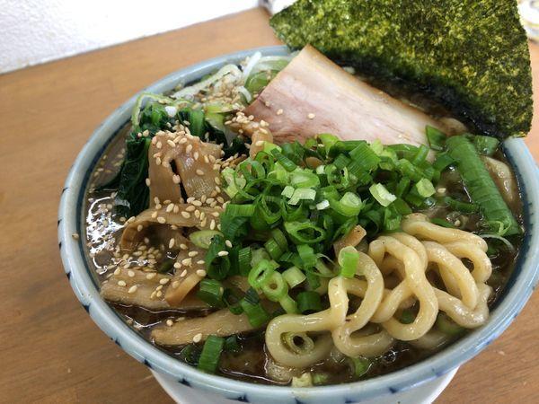 「豚骨魚介ラーメン 950円」@MENYA 食い味の道有楽の写真