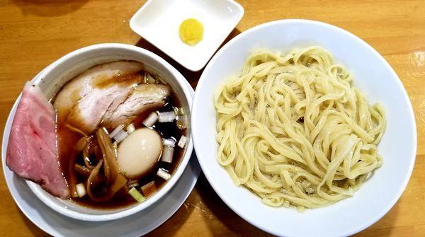 「昆布水つけ麺(柚子トッピング)鬼盛り肩ロース丼」@自家製中華そば 麺の虜の写真