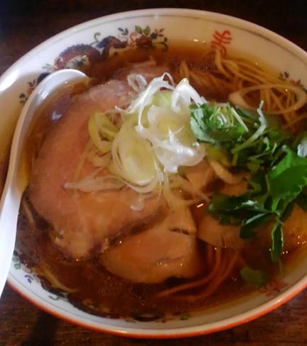 「鶏そば」@餃子と麺 こむぎの写真