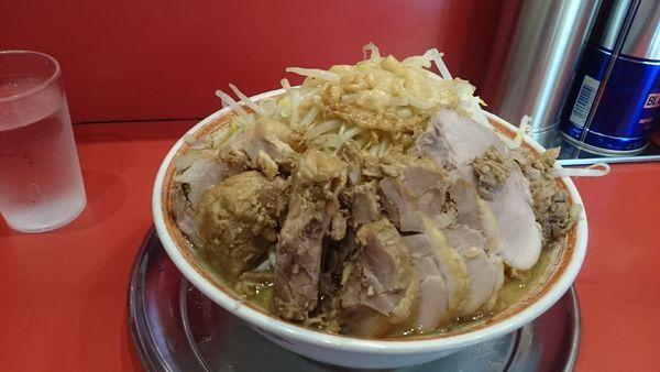 「大ラーメンW豚入り(ヤサイアブラ)¥1050」@ラーメンタロー 五反田の陣の写真