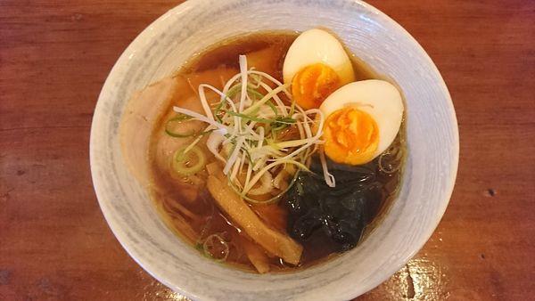 「中華そば(小)+比内地鶏煮卵(200円)=800円」@比内地鶏中華そば 田乃井の写真