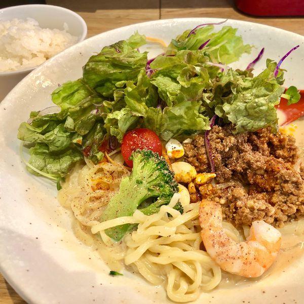 「冷やし豆乳坦々麺980円 3辛ライス無料」@麺やすする 担担麺の写真