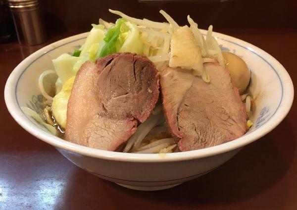 「らーめん(ヤサイアブラ背脂)+味付玉子」@らーめん陸の写真