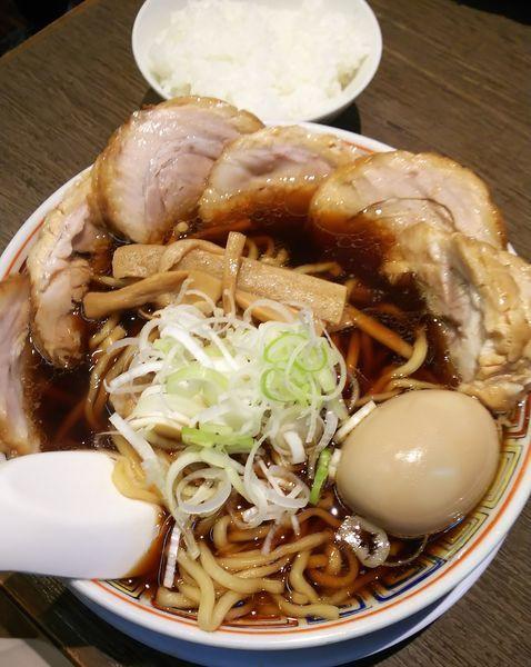 「肉中華そば(大盛り)+味玉+ライス」@丸中華そばの写真
