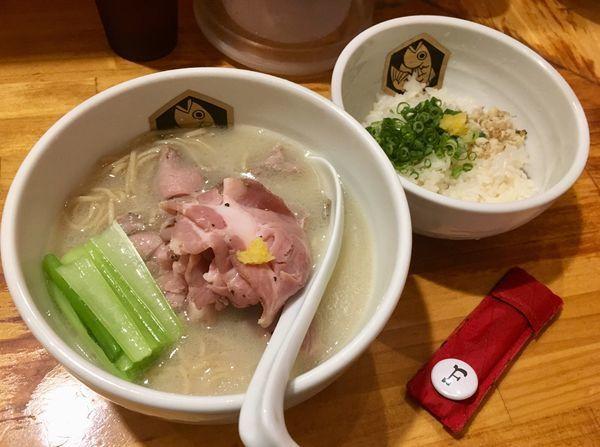 「真鯛らーめん雑炊セット」@真鯛らーめん 麺魚の写真