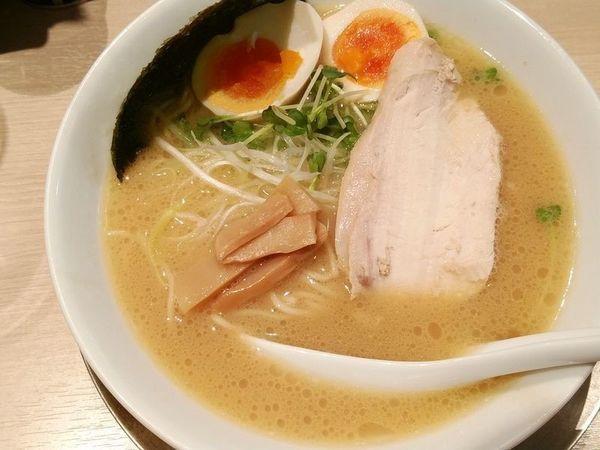 「鶏味玉ラーメン(塩)」@鶏湯らーめん 酉圓屋の写真