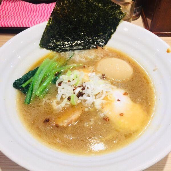 「醤油らーめん 半麺 味玉サービス 750」@麺屋二代目 弘の写真
