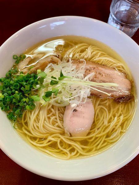 「鶏塩そば@680+大盛り@50」@麺屋くまがいの写真