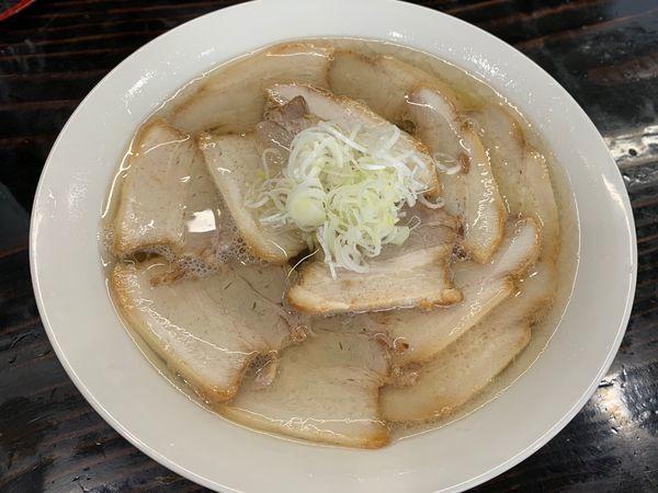 「会津山塩チャーシュー麺大盛り 手打ち太麺」@うえんで 山鹿店の写真
