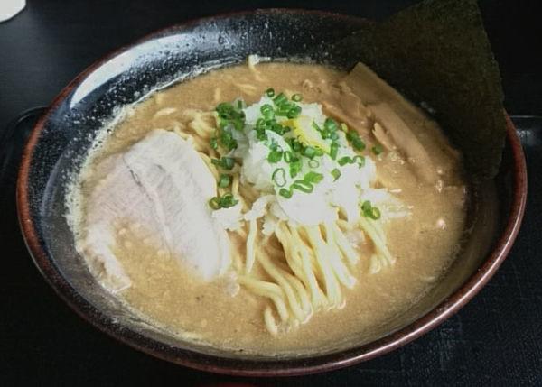 「黒・煮干しラーメン」@煮干し中華そば つけ麺 海猫の写真