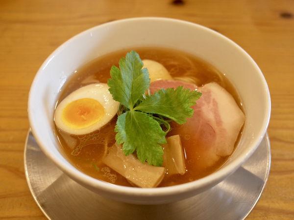「丸鶏中華そば…880円」@らぁ麺 めん奏心の写真