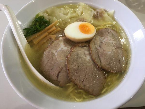 「塩チャーシューワンタン麺」@再来軒の写真