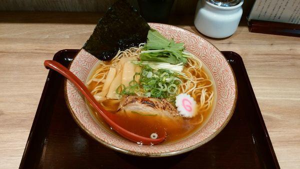 「【限定】鶏×魚醤 あご煮干 醤油 鶏そば¥800-」@征麺家 かぐら屋の写真
