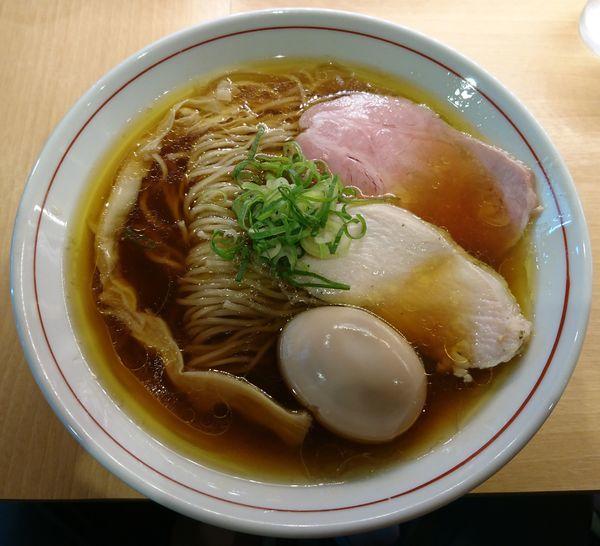 「鶏そば(醤油)+味玉」@濃厚鶏そば 葵の写真