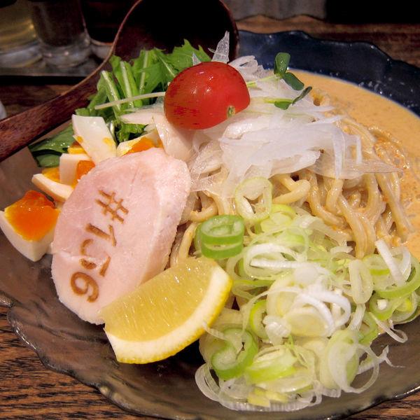 「冷やし中華 980円(太麺)」@鶏そば十番 156 ICHIKORO 麻布十番店の写真