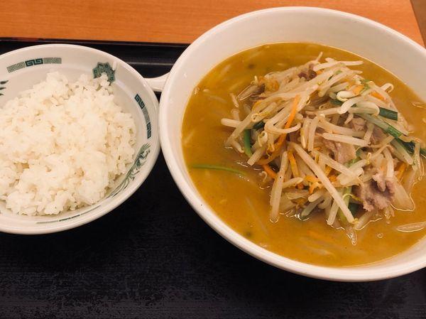 「味噌(固め¥520)+半ライス(¥110)」@日高屋 神田西口店の写真