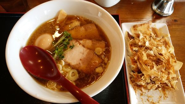 「味玉煮干し中華そば¥800-+卜三田餃子5個¥550-」@麺屋 鶴と亀の写真