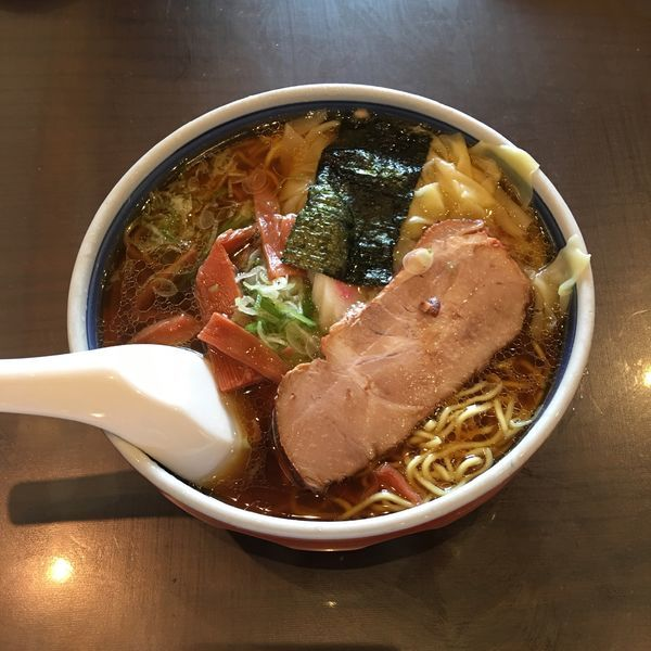 「ワンタン麺」@蓬来軒 本店の写真