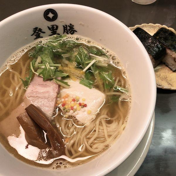 「ゆず塩らーめん+焼きサバ寿司+生ビール中」@らぁめん登里勝の写真