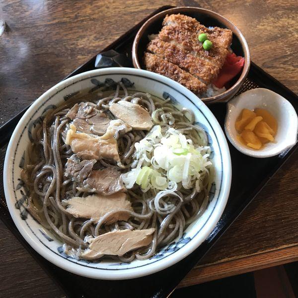 「肉そば プラス ミニかつ丼(¥1,050)」@といやの写真