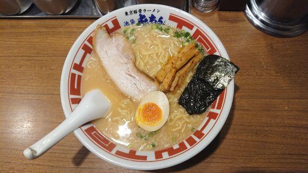 「東京豚骨ラーメン(大盛)」@屯ちん 池袋本店の写真