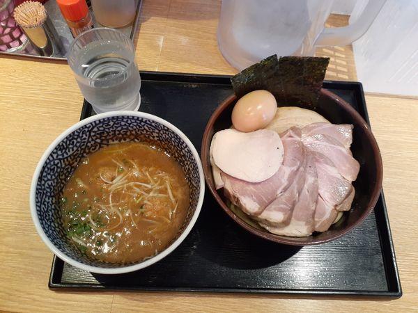 「特製濃厚魚介つけ麺中盛+チャーシュー豚5枚」@麺屋 一燈の写真