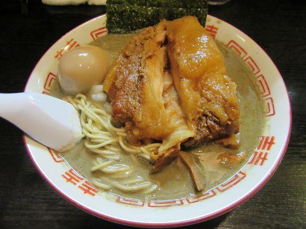 「濃厚中華ソバ(850円)+和え玉+味玉+豚増し」@中華ソバ 伊吹の写真