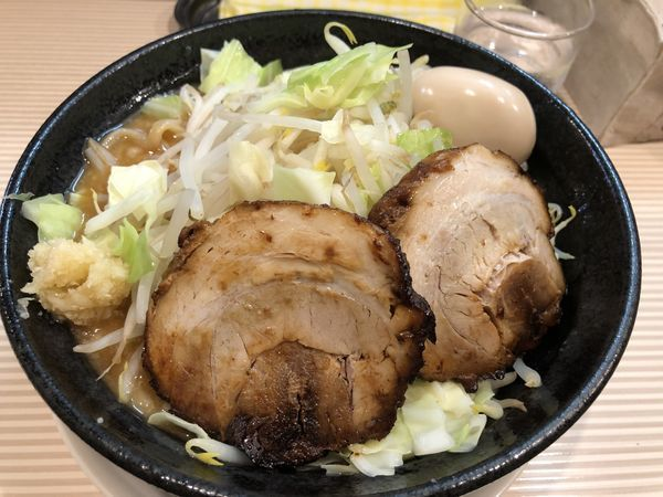 「二郎系(旨辛)辛さ・ヤサイマシ+玉子+麺硬」@ラーメン ポール亭の写真