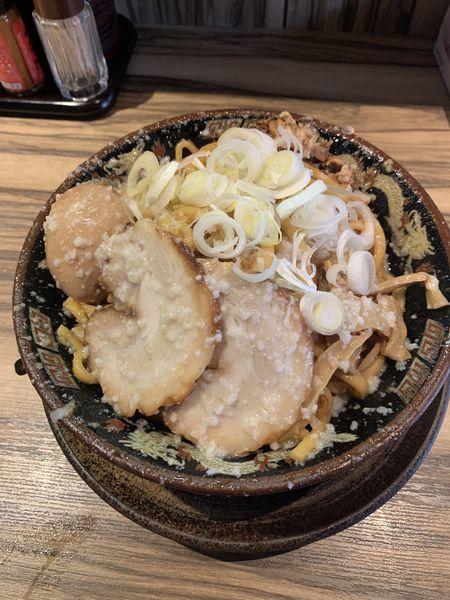 「爆盛油脂麺」@らーめん 平太周 味庵 西大島店の写真