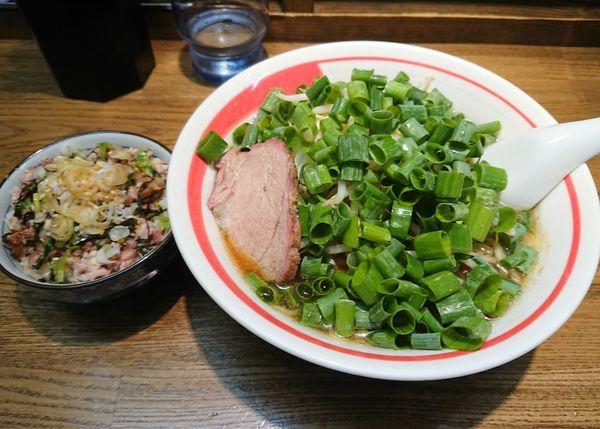「ネギそば(ピリ辛)+そぼろご飯」@青竹平打ち中華そば 麺壱吉兆の写真