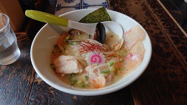 「-kiwami-貝ダシ塩らぁ麺 太麺」@麺処いっ歩の写真