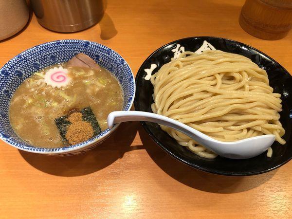 「つけ麺 大盛 熱盛 930円」@六厘舎の写真