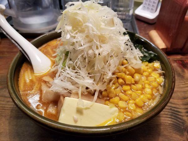 「味噌バターコーン(大盛)+クーポン無料ネギトッピング」@函館らーめん 船見坂の写真
