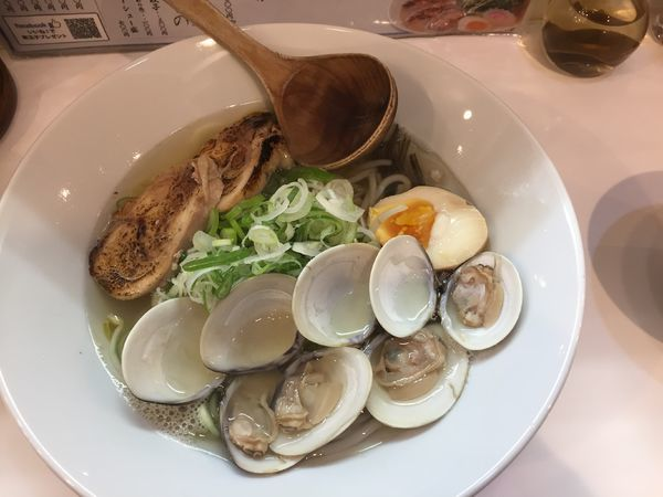 「魚貝塩ラーメン(はまぐり)¥900」@KINGの写真