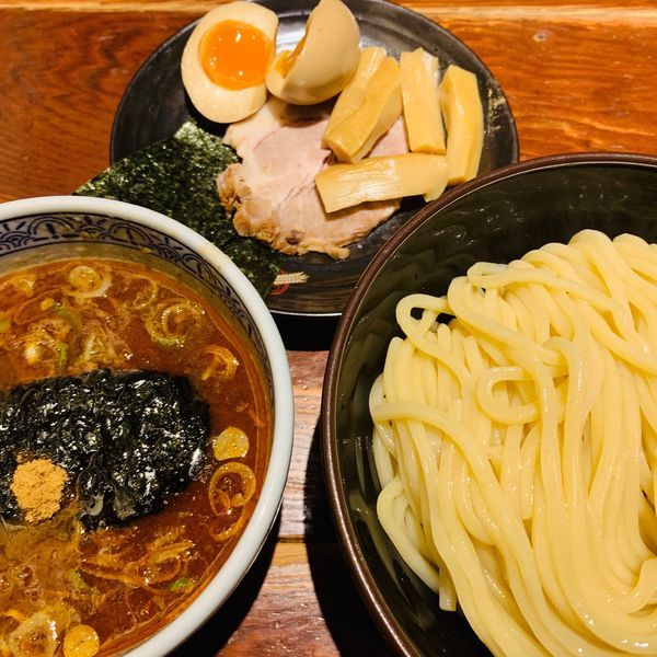 「三点盛り辛つけ麺(大盛り)をオーダー♪」@つけ麺専門店 三田製麺所 神田店の写真