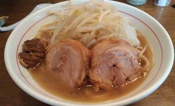 「ラーメン 200g+豚1枚」@眞久中の写真