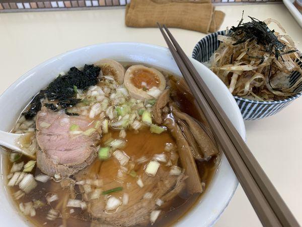 「特製中華そば+豚まぶしご飯」@中華そば ふくみみの写真
