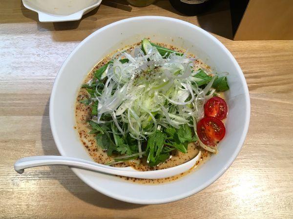 「スーパードライ+鴨チャーシュー→冷し担担麺味玉パクチー入り」@中華ソバ ビリケンの写真