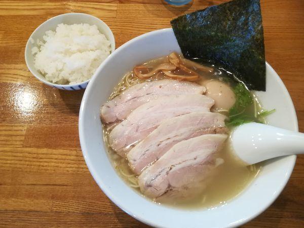 「無化調塩チャーシューめん+煮玉子+ご飯」@らーめん 空王士の写真