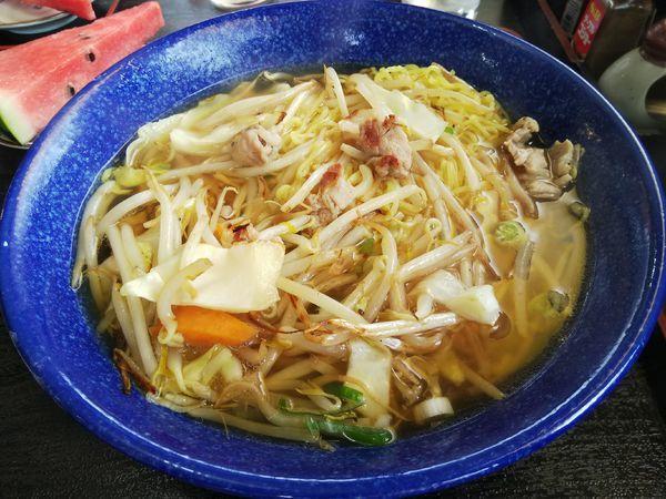 「野菜ラーメン (大盛り) ※スイカサービス」@慶楽の写真