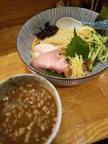 「【1日15食限定】冷やし烏賊肝醤油つけそば950円」@中華そば きなりの写真