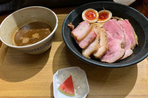 「チャーシューつけ麺&ラム香るたまご」@いかれたNOODLE Fishtonsの写真